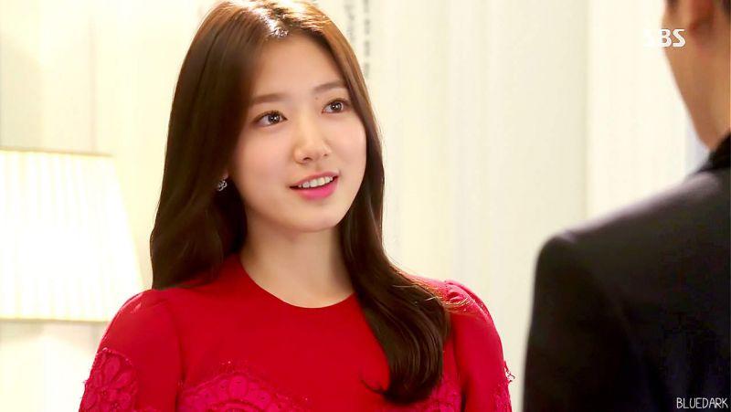 wowww... how cute she is..