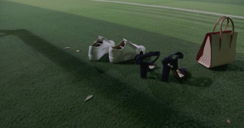 park-shin-hye-fashion-louboutins-in-the-field.png