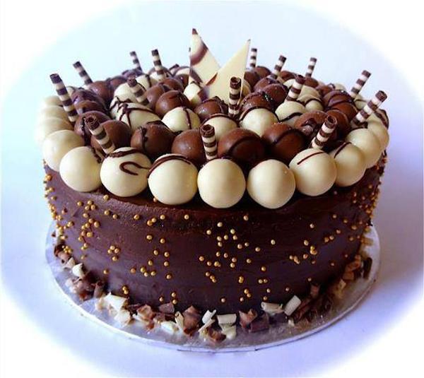 Yummy-Chocolate-Birthday-Cakes-For-Girls-7.jpg