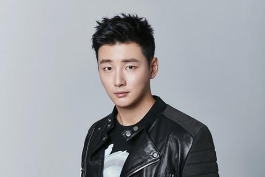 Yoon-Shi-Yoon.jpg